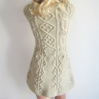 Sukienka warkoczowo-bąbelkowa